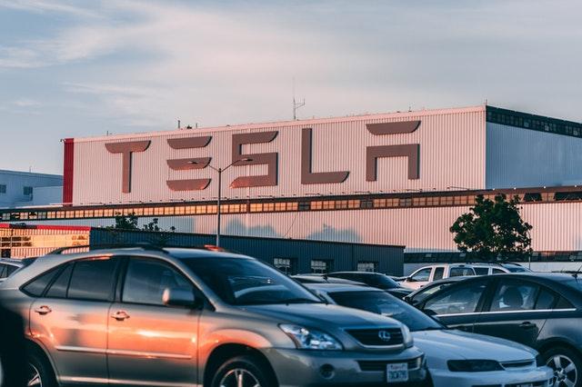 Elon Musk estuda criar cidade com economia baseada em criptomoedas
