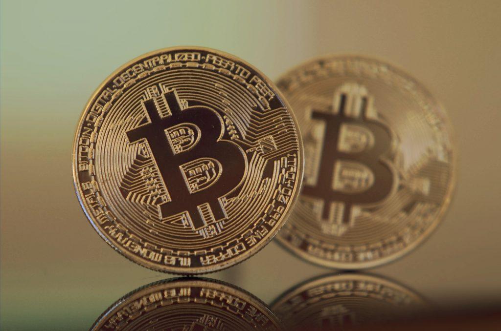 Bitcoin é pirâmide? Definitivamente, não. E a gente explica.